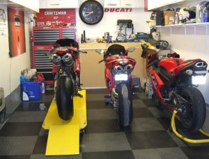 motorcycle-garage-flooring